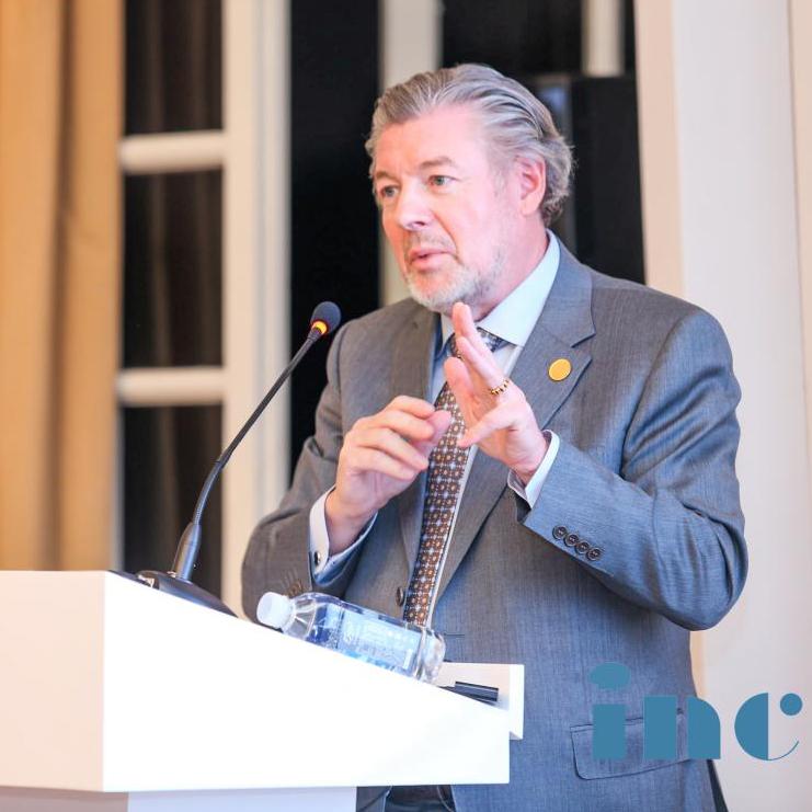 <b>INC德国巴特朗菲教授关于脑干胶质瘤手术治疗的要点的主题演讲</b>