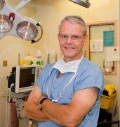 加拿大James Rutka教授在SickKids的脑瘤研究实验室