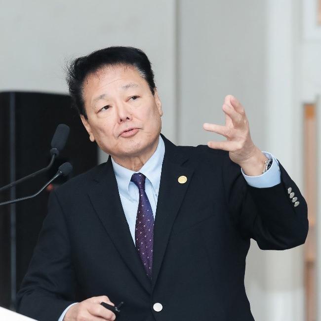 INC世界颅底锁孔手术创始人福岛孝德教授在沪技术培训