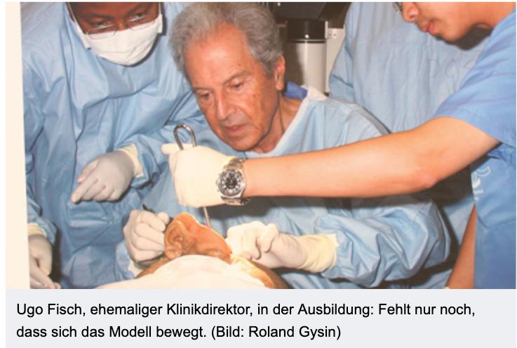 Ugo Fisch教授在亲自指导培训耳科、侧颅底外科医师