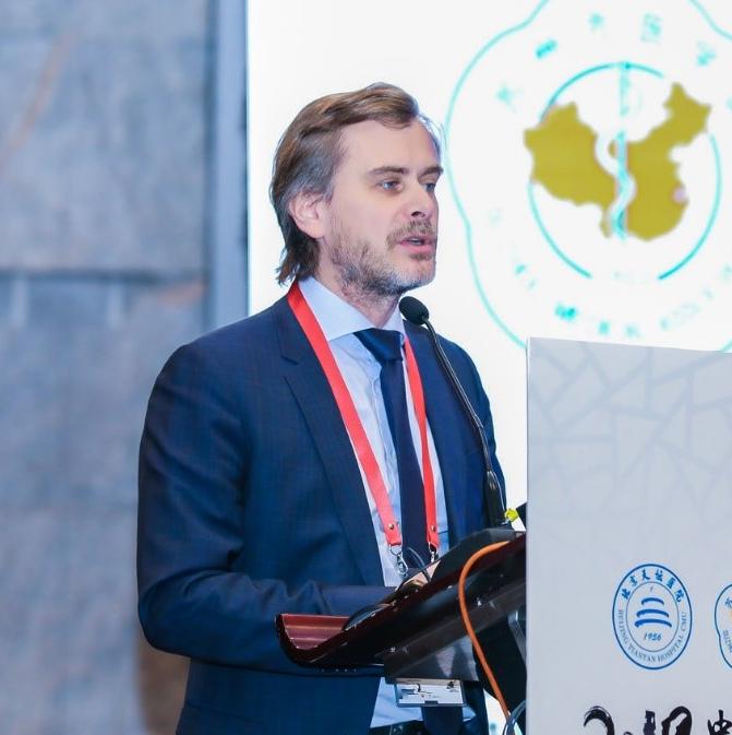 WFNS世界颅底主席Froelich教授2019中国颅底大会开讲