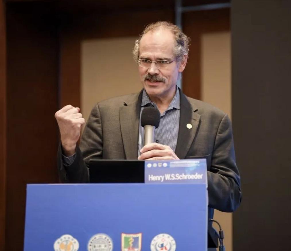 INC之德国Henry Schroeder教授:神经内镜辅助显微镜